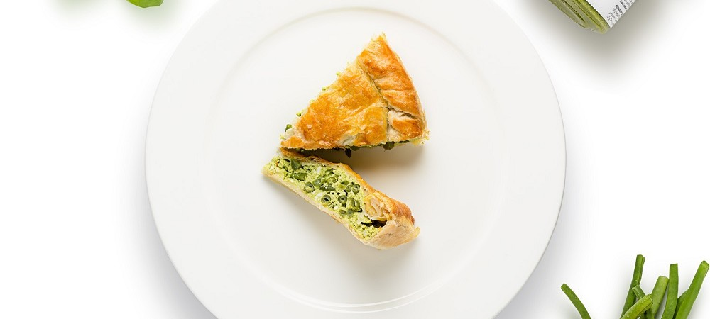 Puff pastry pie with ricotta (soft cheese), Pesto